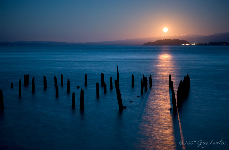 """Moon Dance""  A Photo of the moonlit Columbia River"